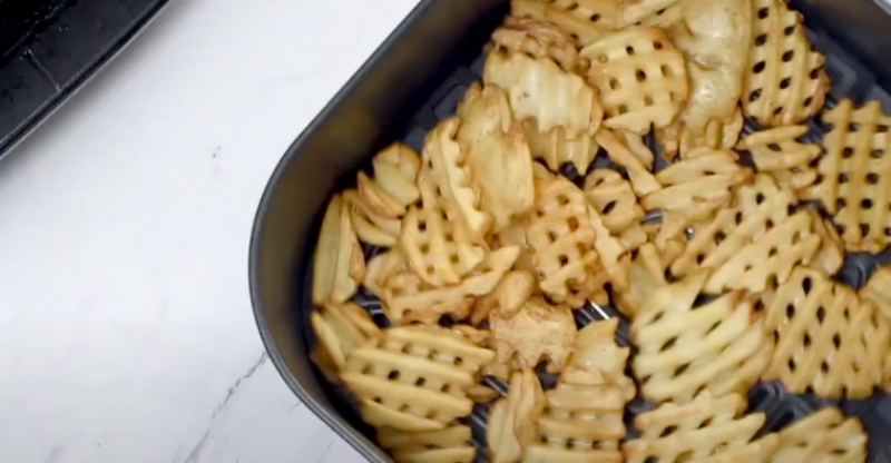 How Long Do You Cook Waffle Fries In An Air Fryer